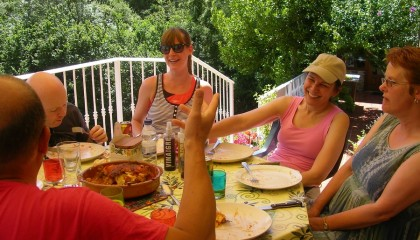 Spanish lessons and laughter over Joxemi´s paella