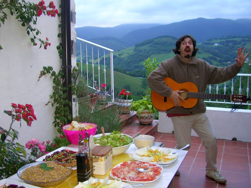 Edorta joins us for pintxos on the terrace