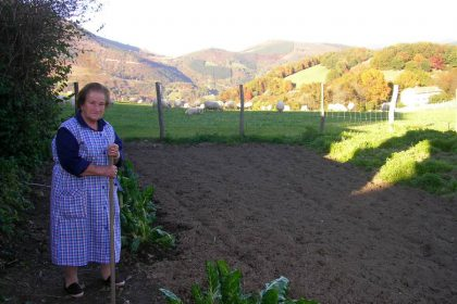 Amatxi in the vegetable garden of Zubialdea in Ameztia