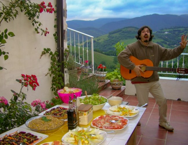 Basque music and tapas on the terrace